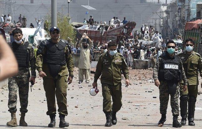648x415 policiers pakistan illustration