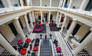 Le Radisson Blu, dans l'ancien palais de justice, est aujourd'hui l'un des hôtels les plus prestigieux de Nantes.