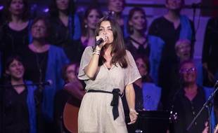 Jenifer lors d'un concert hommage à Charles Aznavour, en août 2019 à Cannes.