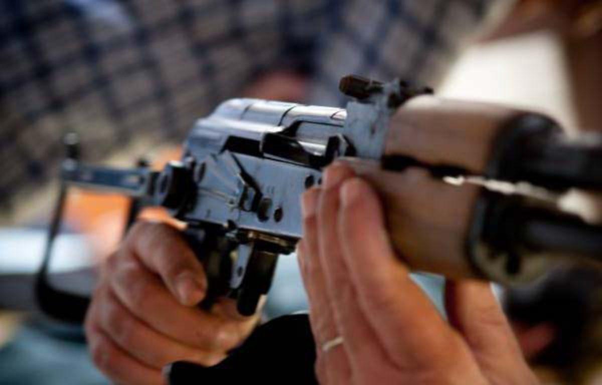 Une Kalachnikov saisie dans un véhicule en 2012 à Marseille.  – P. Magnien - 20 Minutes