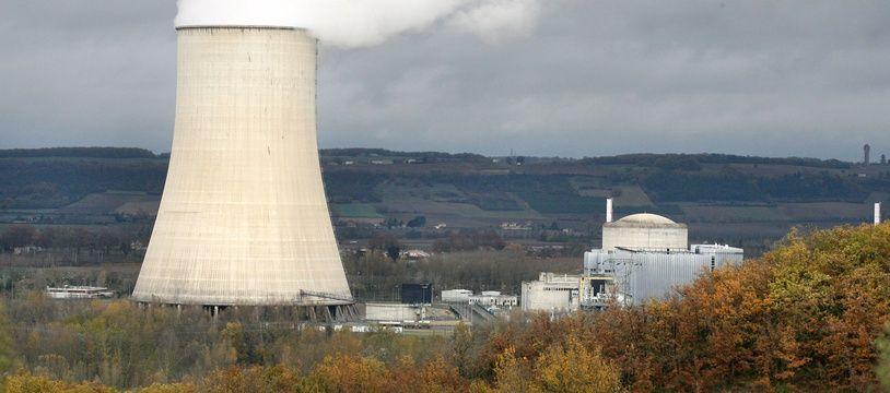 Centrale nucleaire de Golfech au bord de la Garonne, aux frontieres du Gers et à 100 km de Toulouse