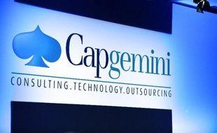 """Le groupe de conseil et services informatiques Capgemini a dévoilé jeudi sa nouvelle offre mondiale d'informatique """"en nuage"""", baptisée SkySight, qui s'appuie sur les technologies du géant Microsoft et sera disponible en septembre."""