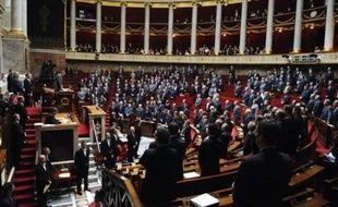 Les députés ont approuvé mercredi une proposition de loi UMP-NC visant à rendre le lundi de Pentecôte à nouveau férié, tout en confirmant le principe d'une Journée de solidarité assouplie en faveur des personnes âgées et des handicapés.