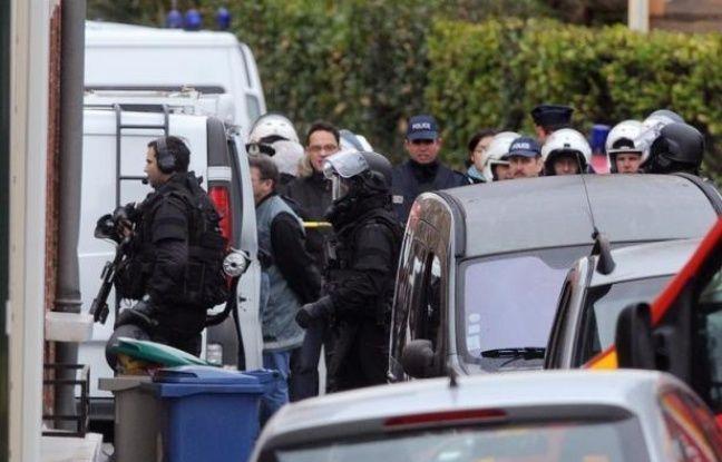 """Le parquet de Paris a ouvert mercredi une information judiciaire contre X, notamment pour """"violation du secret de l'instruction"""", après la diffusion par TF1 d'enregistrements audio entre Mohamed Merah et les policiers."""