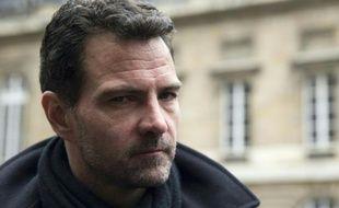 Jerôme Kerviel quitte le tribunal à Paris le 21 mars 2016