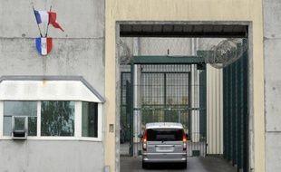 L'association d'aide aux détenus Robin des Lois a lancé une campagne pour l'insription des prisonniers sur les listes électorales, soulignant qu'ils pouvaient désormais se faire domicilier auprès de la prison, a annoncé dimanche son responsable, François Korber.