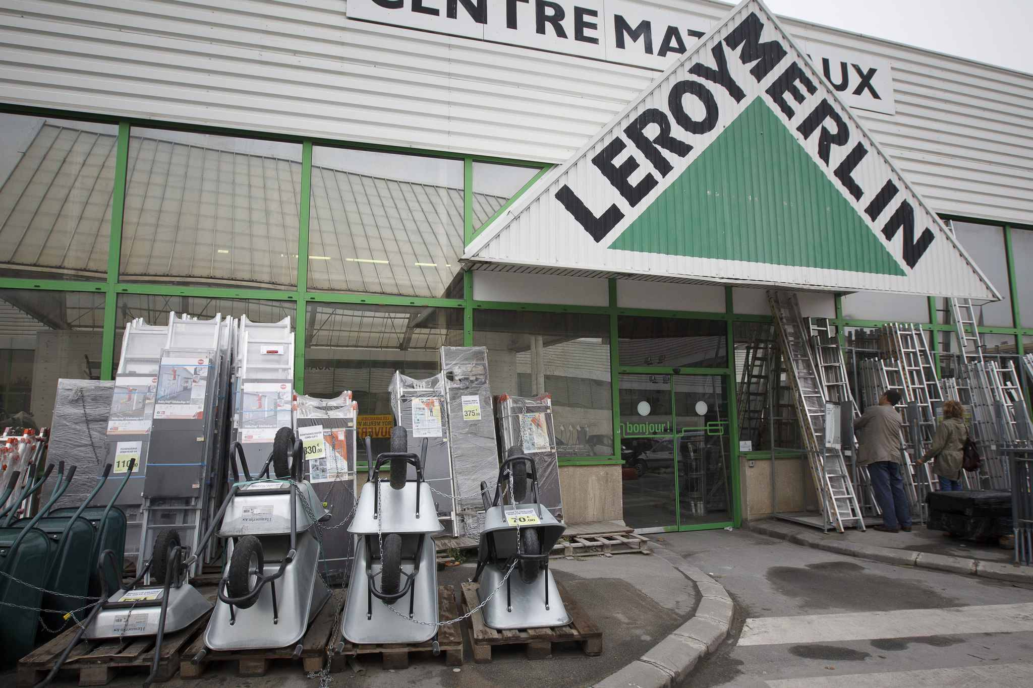 70155c5678d Magasin Leroy Merlin. leroy merlin teste le click and collect. le ...