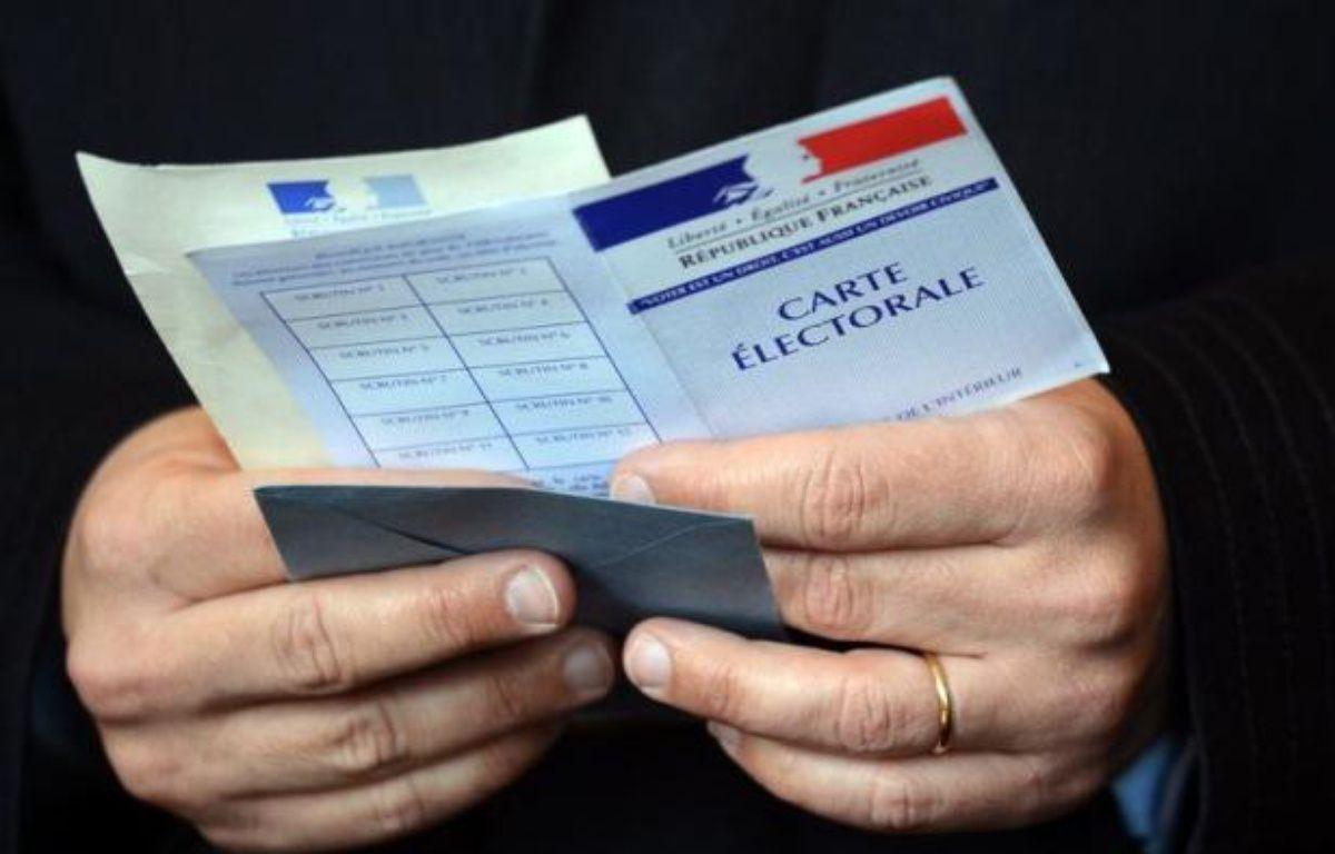 ection des députés, élus au scrutin uninominal majoritaire à deux tours, présente cette année une particularité, le redécoupage d'un grand nombre des circonscriptions destiné à tenir compte des évolutions démographiques tout en donnant une représentation aux Français de l'étranger. – Eric Feferberg afp.com
