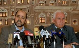 Le président palestinien Mahmoud Abbas doit choisir entre des négociations avec Israël ou une alliance avec le Hamas, a déclaré lundi un responsable israélien après la conclusion dimache d'un accord entre le mouvement islamiste et le Fatah de M. Abbas.