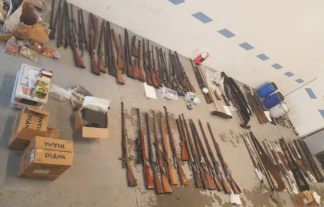 L'arsenal saisi par les douaniers chez un habitant du Tarn-et-Garonne.