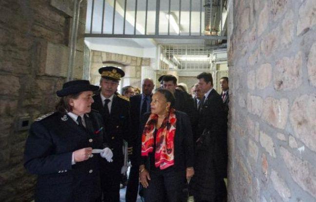 La Garde des Sceaux Christiane Taubira le 3 avril 2015 lors d'une visite à la prison de Lure