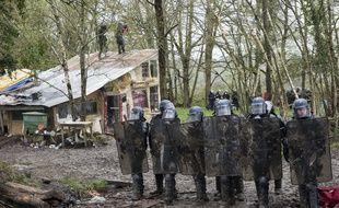 Des gendarmes mobiles sur la ZAD de Notre-Dame-des-Landes, le 10 avril 2018