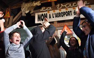 Les zadistes célèbrent l'abandon du projet / AFP PHOTO / LOIC VENANCE