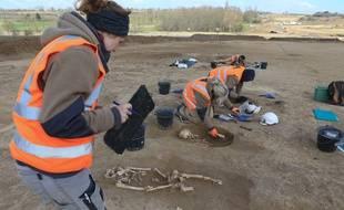 Fouilles archéologiques sur le chantier du GCO à Egersheim-Bruche par Archéologie Alsace Inrap le 27 mars 2019.