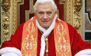 Le pape Benoît XVI au Vatican, le 10 janvier 2011.