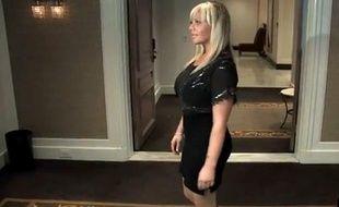Capture d'écran d'une vidéo du «New York Post» sur l'affaire Lauren Odes, renvoyée de son emploi car trop sexy.
