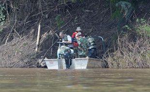 La partie centrale du fuselage de l'avion de Lao Airlines qui s'est abîmé la semaine dernière dans le Mékong au Laos, faisant 49 morts, a été sortie du fleuve.