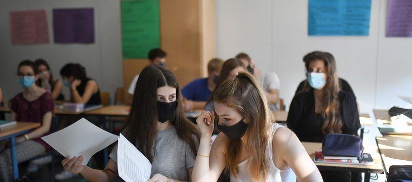 Illustration du port du masque obligatoire en collèges et lycées