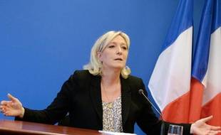 Marine le Pen donne une conférence de presse le 25 mars 2014 à Paris