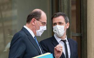 Le Premier ministre Jean Castex et le ministre de la Santé Olivier Véran, le 3 février 2021 à Paris.