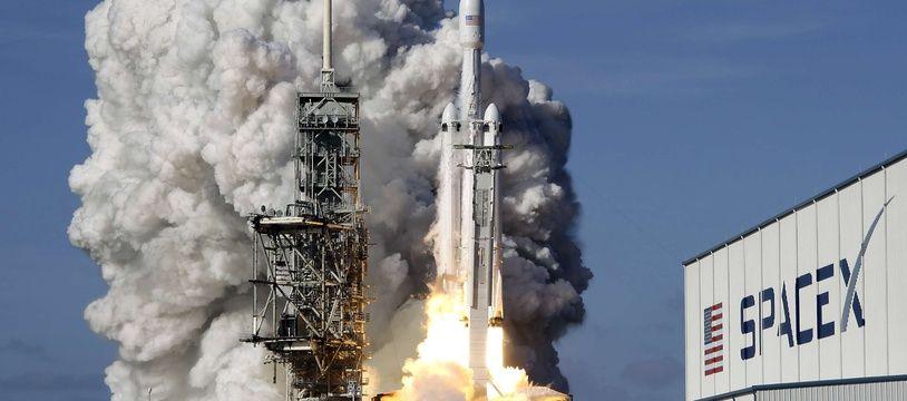 Une fusée Falcon 9 de SpaceX, le 6 février 2018.