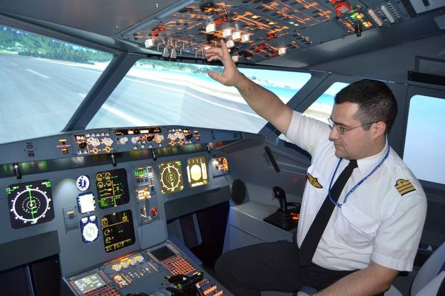 Démonstration d'un simulateur de vol Airbus A320