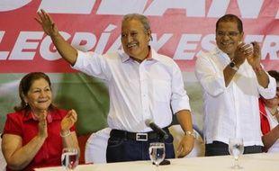 Le candidat de l'ex-rébellion au pouvoir au Salvador, Salvador Sanchez Ceren, a reconnu dimanche soir avoir échoué de peu à emporter la présidentielle au premier tour et devoir donc être contraint à disputer un duel en mars face au candidat de la droite Norman Quijano.