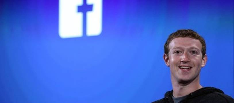 Mark Zuckerberg se prête au jeu des selfies à Bruxelles