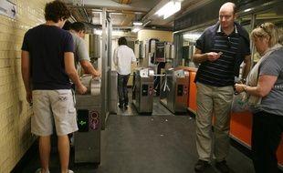 Finis tickets et Passe Navigo, à l'automne 2018, les titres de transports pour prendre le métro, le train, le bus ou le tram à Paris et en Ile-de-France seront sur smartphone. (Illustration)