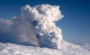 La durée d'une éruption en Islande est extrêmement variable, mais selon certains géophysiciens, celle-ci pourrait durer plusieurs semaines.