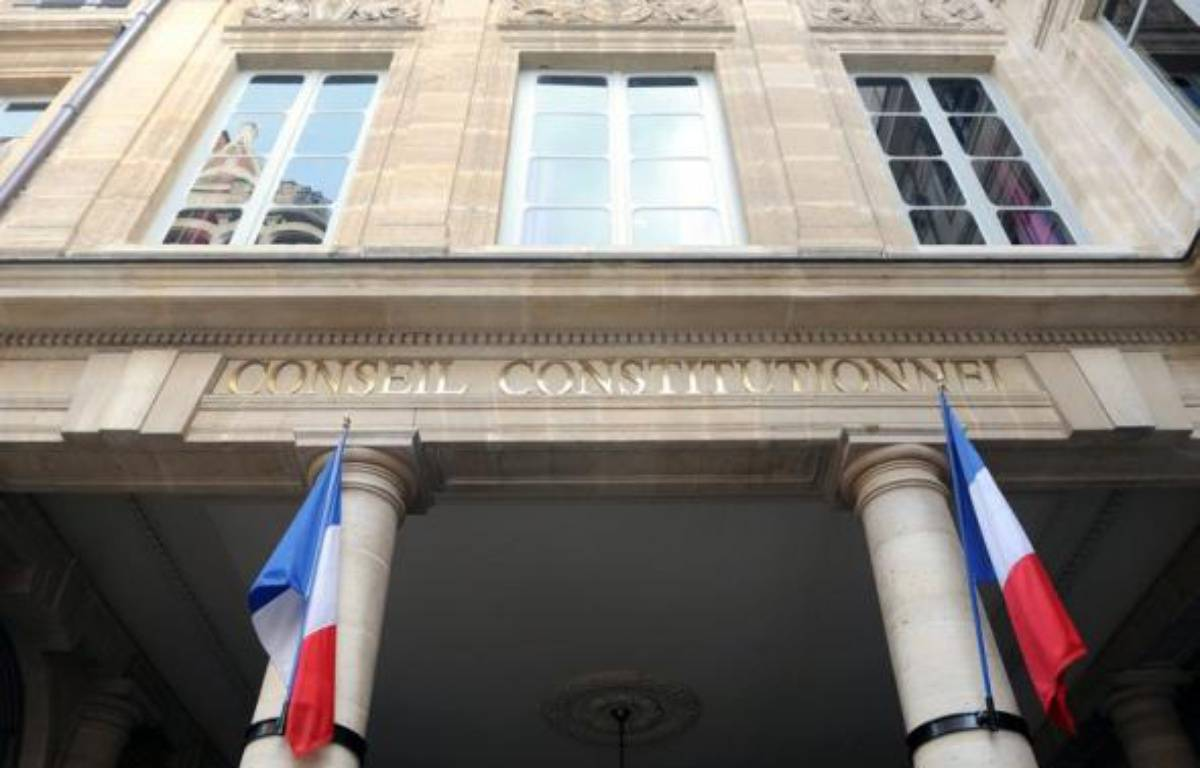 Le Conseil constitutionnel a censuré jeudi une loi de ratification d'un accord franco-roumain de février 2007 organisant le retour dans leur pays d'origine de mineurs roumains isolés, jugeant qu'elle présentait des garanties insuffisantes en termes de voies de recours. – Boris Horvat AFP/Archives