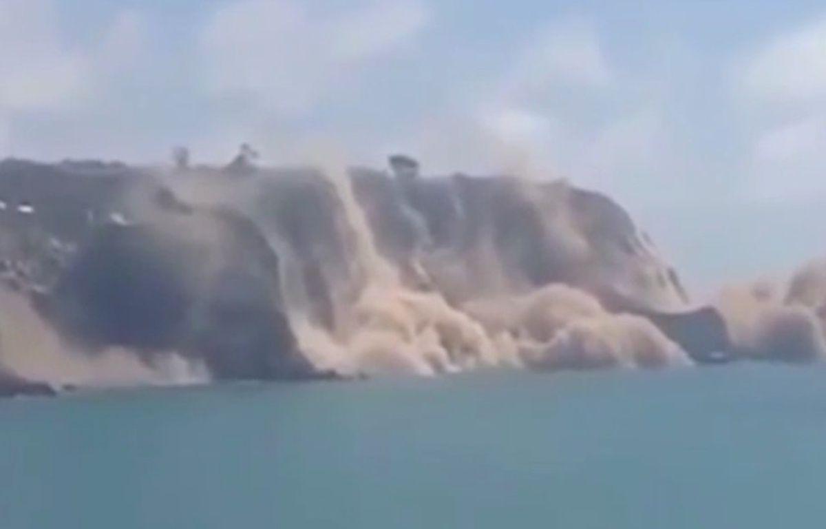 Une falaise s'est effondrée en Nouvelle-Zélande après un séisme, le 14 février 2016. – Capture d'écran