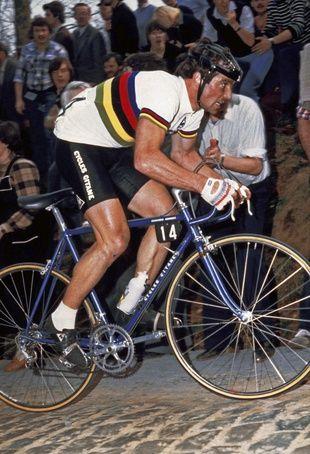 Bernard Hinault lors de la course Gand-Wevelgem, en Belgique.