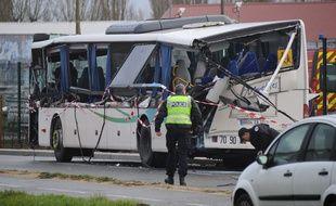 Un accident a tué 6 adolescents qui se trouvaient dans un car scolaire, ce 11 février 2016, à Rochefort (Charente-Maritime).