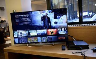 Les suggestions de films du service de vidéos en streaming Netflix sur un téléviseur.