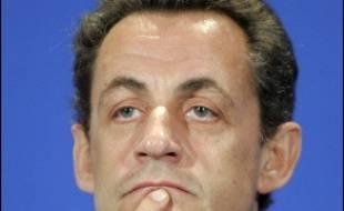 """Entre un ministre de l'Intérieur en fonction Nicolas Sarkozy, qui promet """"sanctions"""" ou """"plaintes"""", et Jean-Louis Debré en poste à l'époque, muet lundi, les accusations de tortures portées contre la police antiterroriste de 1995 ont """"stupéfié"""" l'institution policière."""