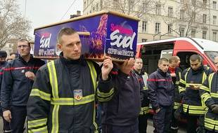 Lyon, le 8 janvier 2018. Les pompiers ont manifesté pour dénoncer les agressions dont ils sont victimes lors de leurs interventions dans certains quartiers sensibles.