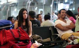 La quasi-totalité des touristes bloqués à Acapulco par les tempêtes, dont le bilan s'élève à plus de 170 morts et disparus en une semaine au Mexique, ont été évacués, mais cette cité balnéaire est désormais en proie à des pénuries d'eau, d'électricité et de denrées alimentaires.