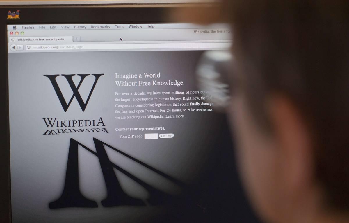 Le site de Wikipedia a été lancé le 15 janvier 2001. – RICHARD B. LEVINE/NEWSCOM/SIPA