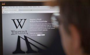 Le site de Wikipedia a été lancé le 15 janvier 2001.
