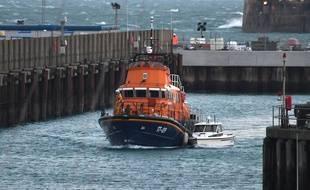 Depuis le 23 décembre, près d'une centaine de personnes ont été secourues en mer par les autorités françaises ou britanniques alors qu'elles tentaient de traverser la Manche.