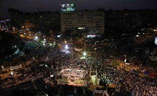 """Le président égyptien Mohamed Morsi a réaffirmé mardi soir sa """"légitimité constitutionnelle"""", et appelé l'armée à retirer l'ultimatum qu'elle lui a posé en lui demandant de """"satisfaire les demandes du peuple"""" avant mercredi soir."""