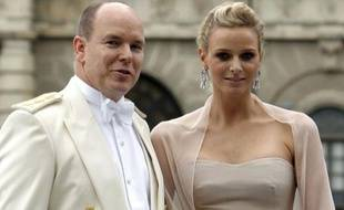 Prince Albert II de Monaco et sa fiancée Charlene Wittstock en Suède, le 19 juin 2010