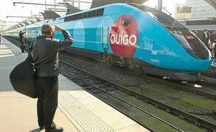Les gares desservies par les TGV Ouigo sont éloignées des centres-villes de Paris et Lyon.