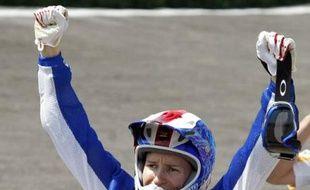 Anne-Caroline Chausson après sa victoire dans l'épreuve de BMX des JO de Pékin.