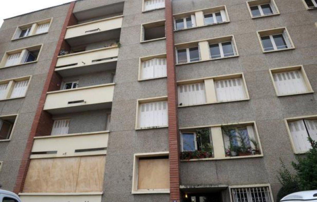 Les assureurs sont parvenus à un accord de principe avec le ministère de la Justice pour avancer aux voisins de Mohamed Merah les frais occasionnés par l'assaut des forces de l'ordre dans le logement du tueur de Toulouse, a indiqué lundi leur fédération, la FFSA. – Remy Gabalda afp.com