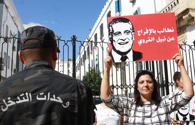 Les partisans du candidat à la présidence Nabil Karoui, devant le tribunal de Tunis pour demander sa libération, le 3 septembre 2019.