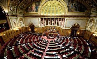 Loi travail: le Sénat adopte une version durcie par 185 voix contre 156