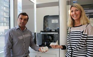Thierry Martinet et Nathalie Talou Kolesnik, les deux conseillers numériques 3D de La Poste à Bordeaux-Mériadeck