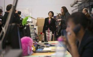 La ministre déléguée à l'Economie numérique Fleur Pellerin a plaidé mardi pour une accélération de l'harmonisation fiscale en Europe des sites de e-commerce qui s'y implantent, lors d'une visite chez vente-privée.com pour le lancement des achats en ligne de Noël.